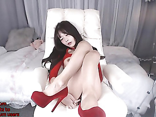 Korean marvelous camgirl in red heels