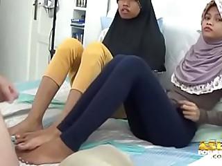 Asian Muslim Teens Footjobs and jerkoff