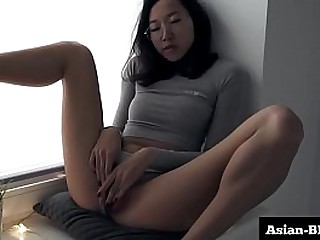 Slim Sexy Asian Slut Rubs Pussy Wild - Asian-BBW.com
